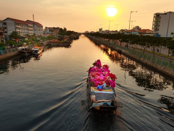 VIETNAM – HO CHI MINH 4D/3N Saigon, Sunset River Cruise, Cu Chi Tunnels, My Tho City and Mekong Delta